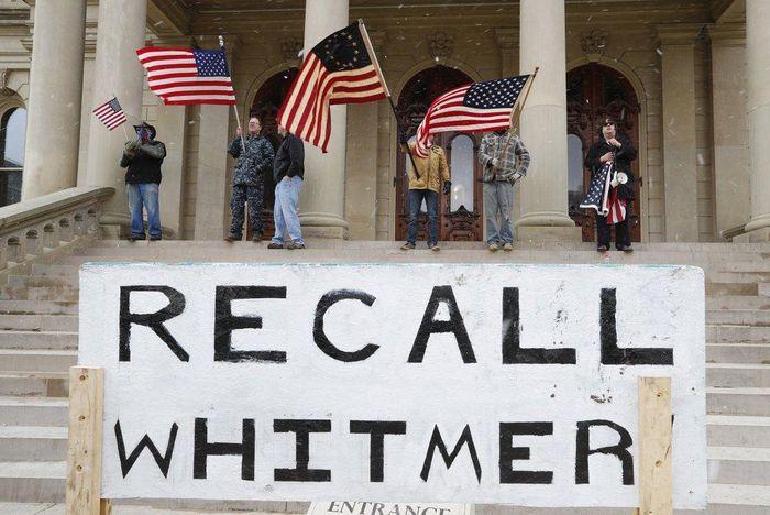 Michigan biểu tình đòi mở cửa 81ce805efa1d13434a0c