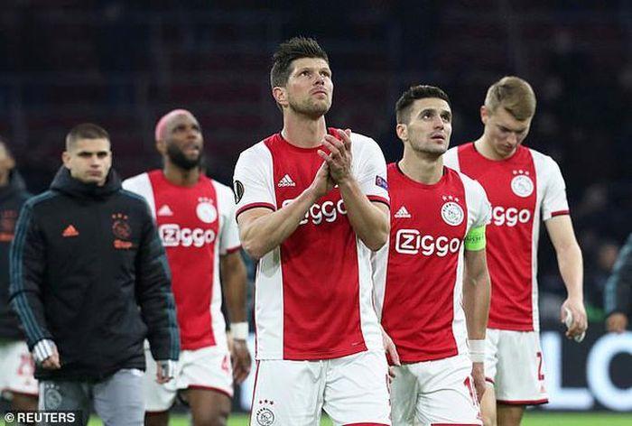 SỐC: Hà Lan hủy giải, Ajax mất ngôi vô địch, Văn Hậu ra sao?