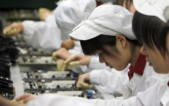 Apple thúc giục đối tác TQ lắp ráp iPhone cạnh tranh với Foxconn