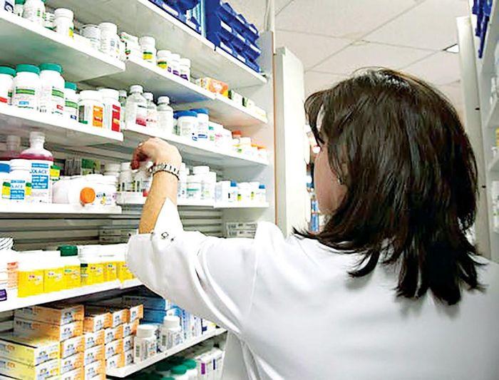 Phòng chống dịch Covid-19: Vừa tìm vaccine, vừa sản xuất thuốc dự trữ