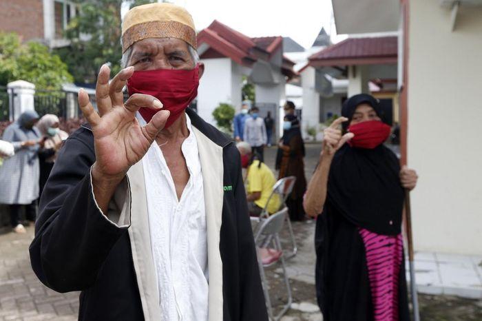 Indonesia: Cụ bà 100 tuổi 'chiến thắng' Covid-19