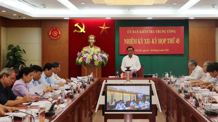 'Nóng' tuần qua: Kỷ luật cảnh cáo Chủ tịch UBND tỉnh Quảng Ngãi; truy nã Triệu Quân Sự