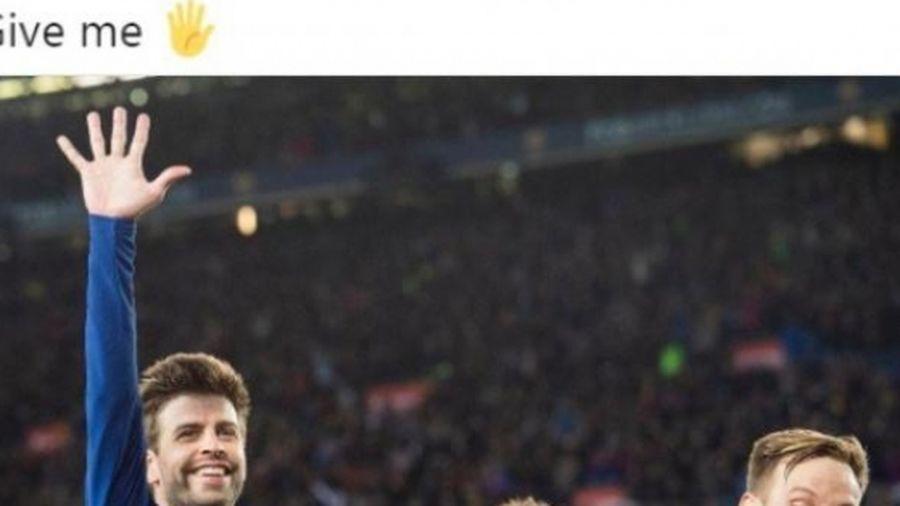 Barcelona 'xát muối' vào Real Madrid bằng bức hình troll nổi tiếng