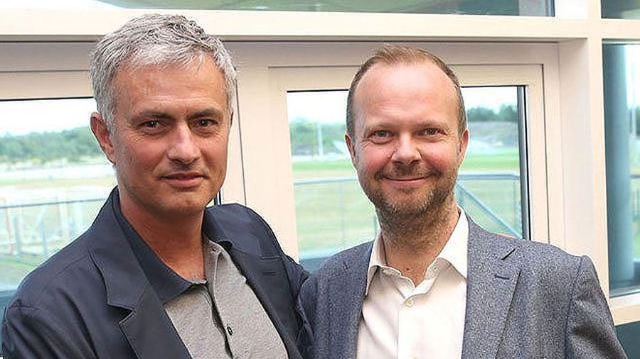 Mourinho không bị M.U sa thải nhờ điều này