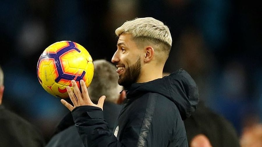 Nếu Man City vô địch, hãy dựng tượng Sergio Aguero
