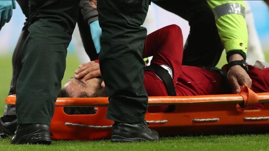 Chấn thương nặng, Salah khóc khi rời sân, Liverpool lâm nguy?
