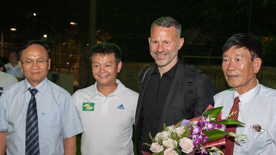 Huyền thoại Man United Ryan Giggs thăm CLB SLNA